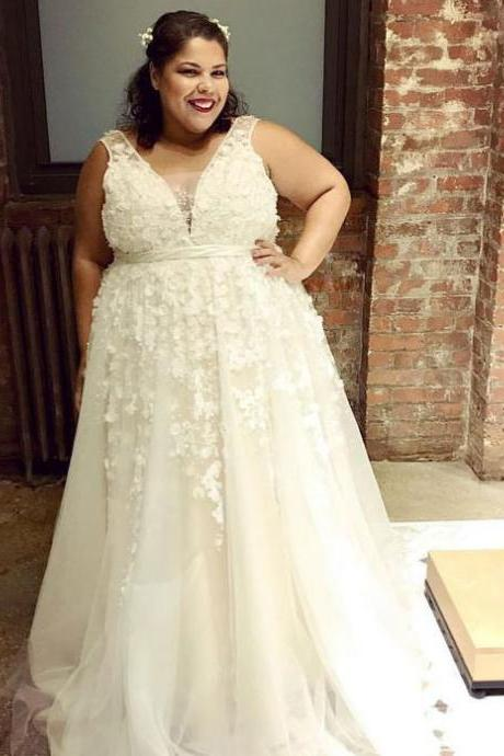Plus Size V Neck Wedding Dresses Bridal Dress with Appliques Lace